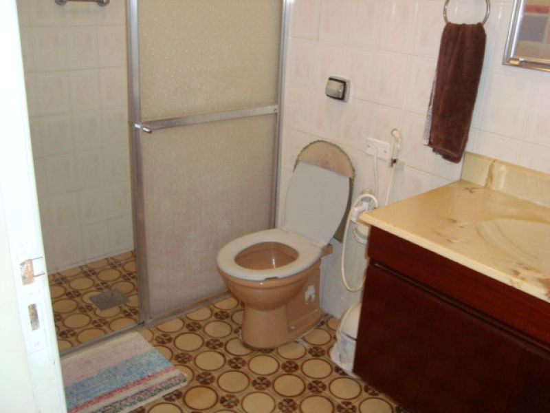 WC suíte do casa geminada com 3 dormitórios em GUILHERMINA - PRAIA GRANDE
