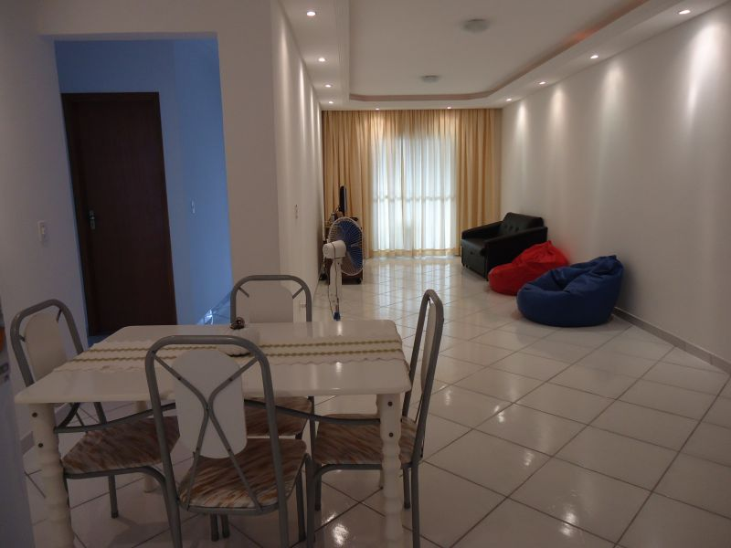 Sala do apartamento com 3 dormitórios em GUILHERMINA - PRAIA GRANDE