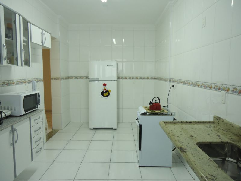 Cozinha ang 02 do apartamento com 3 dormitórios em GUILHERMINA - PRAIA GRANDE