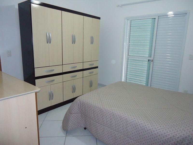 Dormitorio 02 do apartamento com 3 dormitórios em GUILHERMINA - PRAIA GRANDE