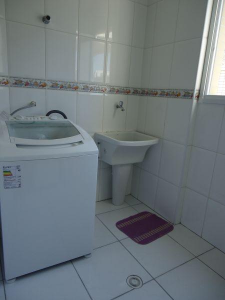 Área de serviço do apartamento com 3 dormitórios em GUILHERMINA - PRAIA GRANDE