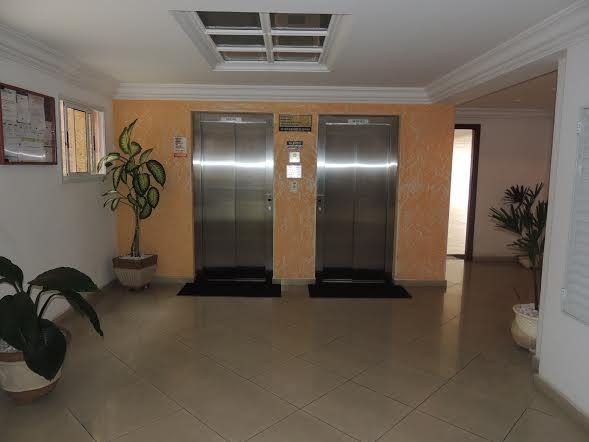 Elevadores do apartamento com 2 dormitórios em CANTO DO FORTE - PRAIA GRANDE