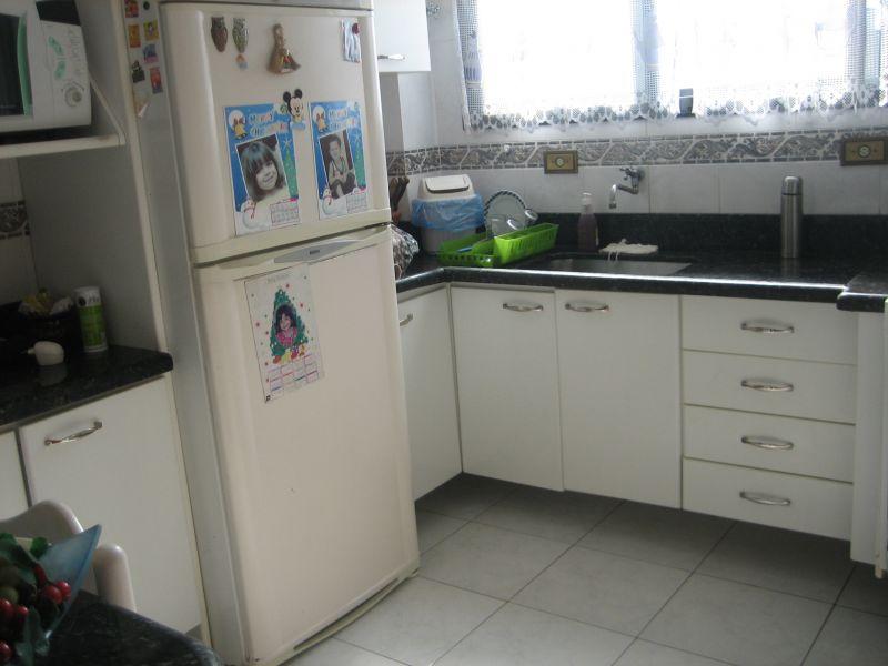 Cozinha do apartamento com 2 dormitórios em GUILHERMINA - PRAIA GRANDE