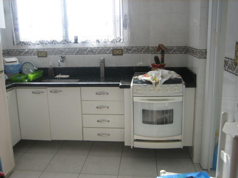 Cozinha ang 02 do apartamento com 2 dormitórios em GUILHERMINA - PRAIA GRANDE