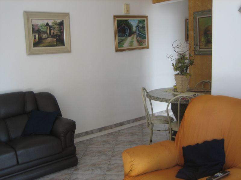 Sala ang 02 do apartamento com 2 dormitórios em GUILHERMINA - PRAIA GRANDE