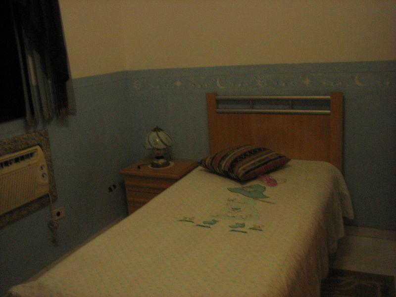 Dormitório ang 02 do apartamento com 2 dormitórios em GUILHERMINA - PRAIA GRANDE