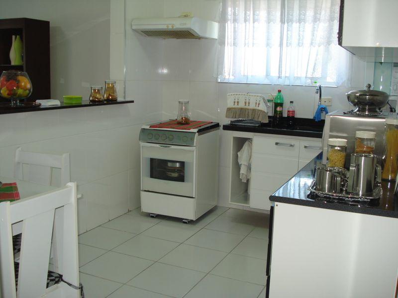 Cozinha ang 03 do apartamento com 2 dormitórios em CANTO DO FORTE - PRAIA GRANDE