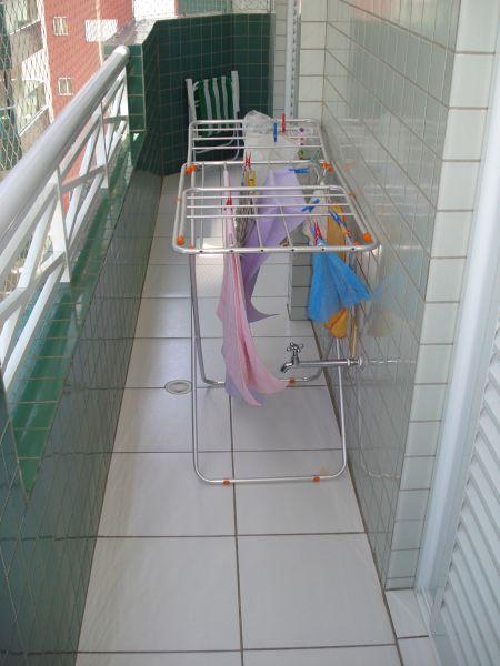 Sacadas dos dormitórios do apartamento com 2 dormitórios em CANTO DO FORTE - PRAIA GRANDE