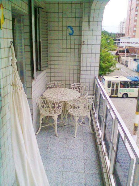 Sacada ang 02 do apartamento com 2 dormitórios em CANTO DO FORTE - PRAIA GRANDE