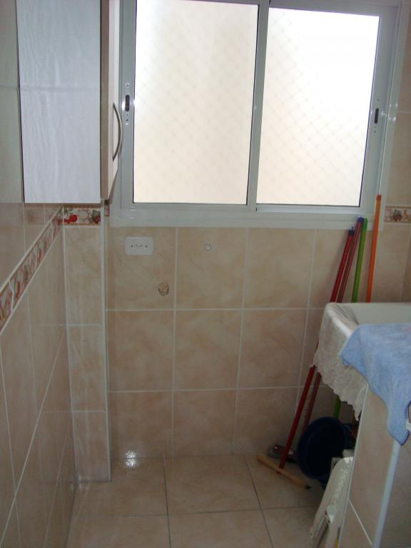 Área de serviço do apartamento com 2 dormitórios em AVIAÇÃO - PRAIA GRANDE