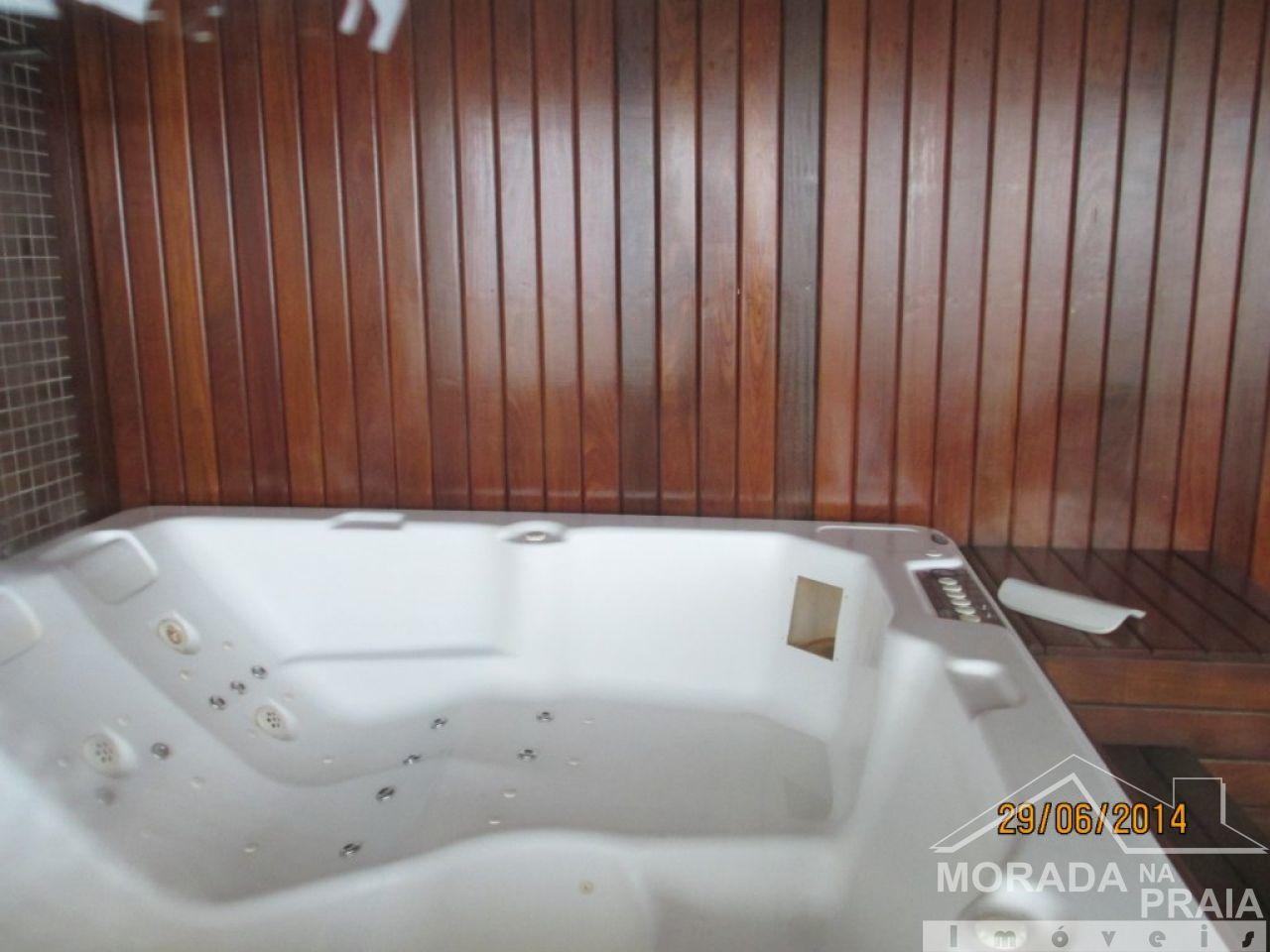 JACUZI do apartamento com 2 dormitórios em GUILHERMINA - PRAIA GRANDE