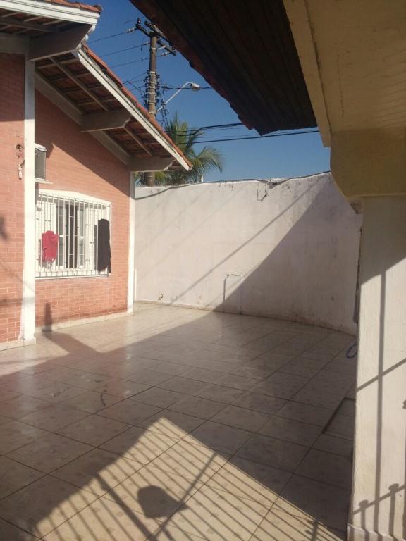 Frente do casa geminada com 2 dormitórios em AVIAÇÃO - PRAIA GRANDE