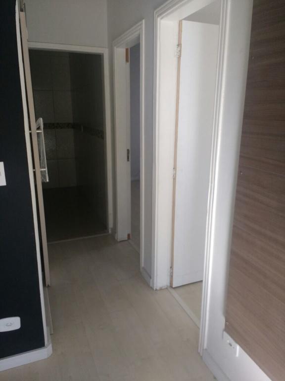Corredor interno do casa geminada com 2 dormitórios em AVIAÇÃO - PRAIA GRANDE