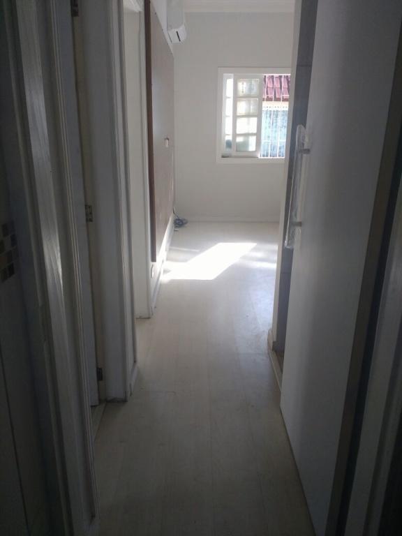 Corredor interno ang 02 do casa geminada com 2 dormitórios em AVIAÇÃO - PRAIA GRANDE