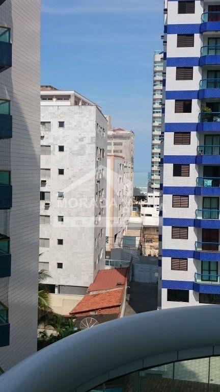 Vista da sala e dorm do apartamento com 3 dormitórios em AVIAÇÃO - PRAIA GRANDE