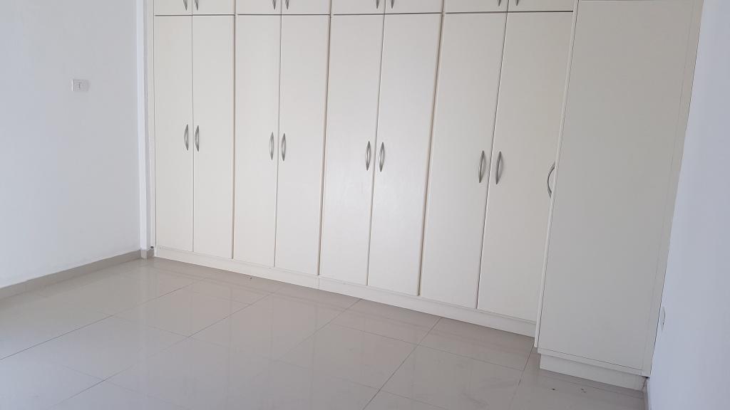 Suíte 01 do apartamento com 4 dormitórios em CANTO DO FORTE - PRAIA GRANDE