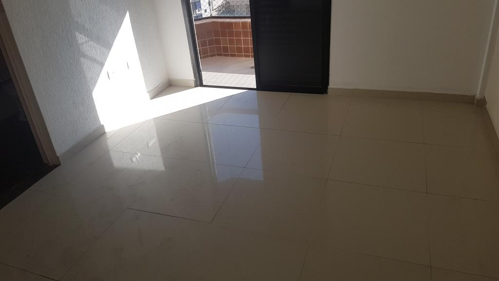 Suíte 01 ang 02 do apartamento com 4 dormitórios em CANTO DO FORTE - PRAIA GRANDE