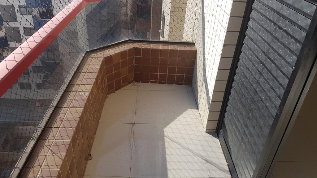 Sacada da suíte 01 do apartamento com 4 dormitórios em CANTO DO FORTE - PRAIA GRANDE