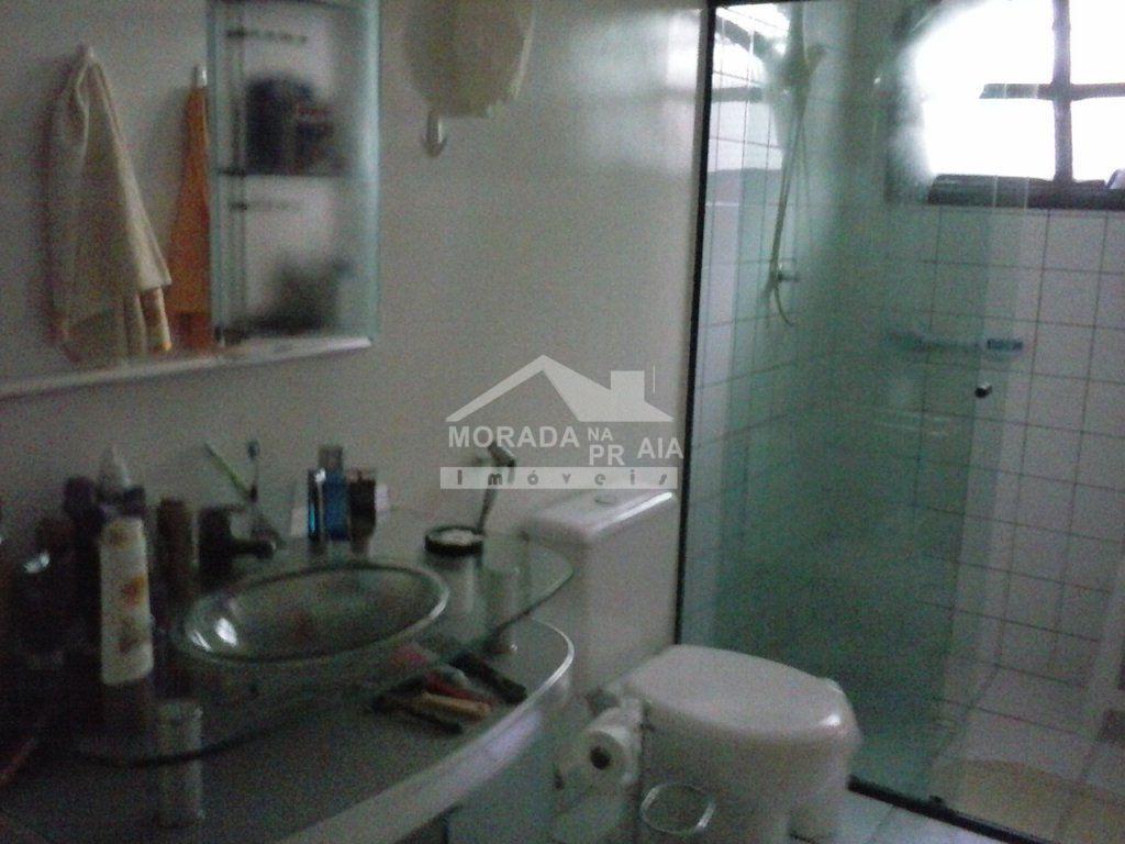 WC Suite do casa isolada com 3 dormitórios em CANTO DO FORTE - PRAIA GRANDE