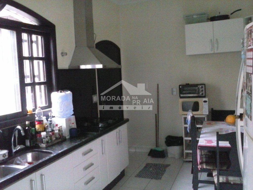 Cozinha do casa isolada com 3 dormitórios em CANTO DO FORTE - PRAIA GRANDE