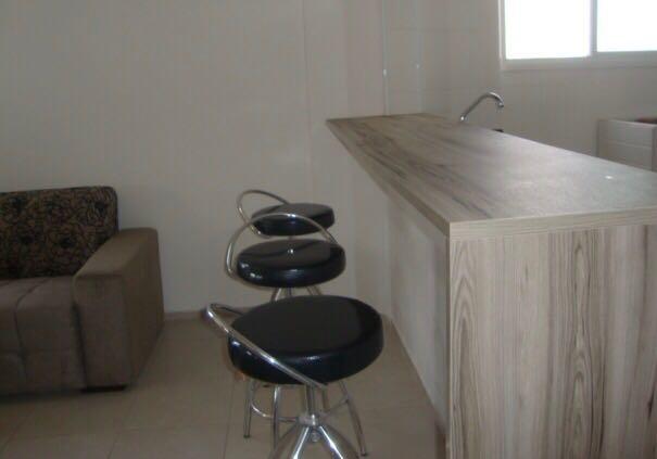 Cozinha do salão de festas do apartamento com 2 dormitórios em CANTO DO FORTE - PRAIA GRANDE