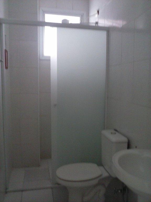 Wc do apartamento com 2 dormitórios em CANTO DO FORTE - PRAIA GRANDE