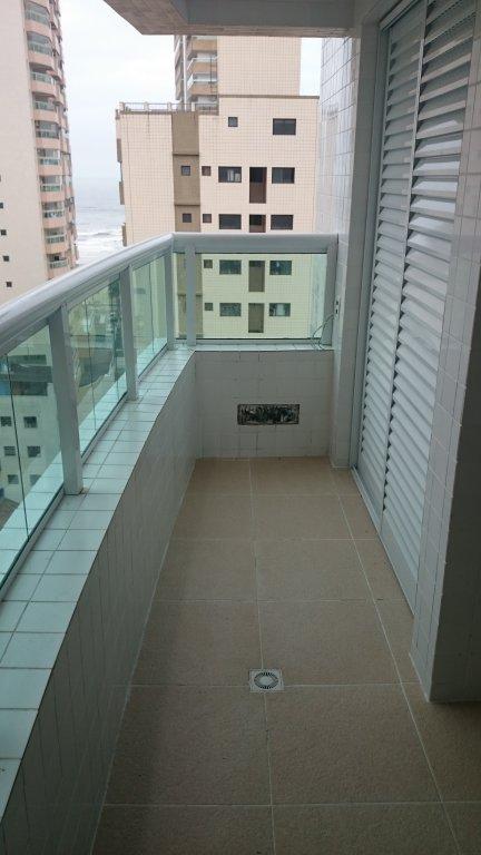 Sacada da sala e dormitório do apartamento com 1 dormitórios em AVIAÇÃO - PRAIA GRANDE