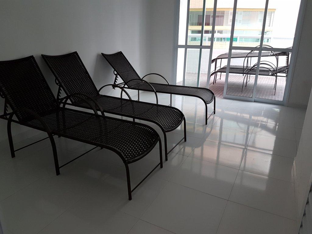 Espreguiçadeiras do apartamento com 1 dormitórios em AVIAÇÃO - PRAIA GRANDE