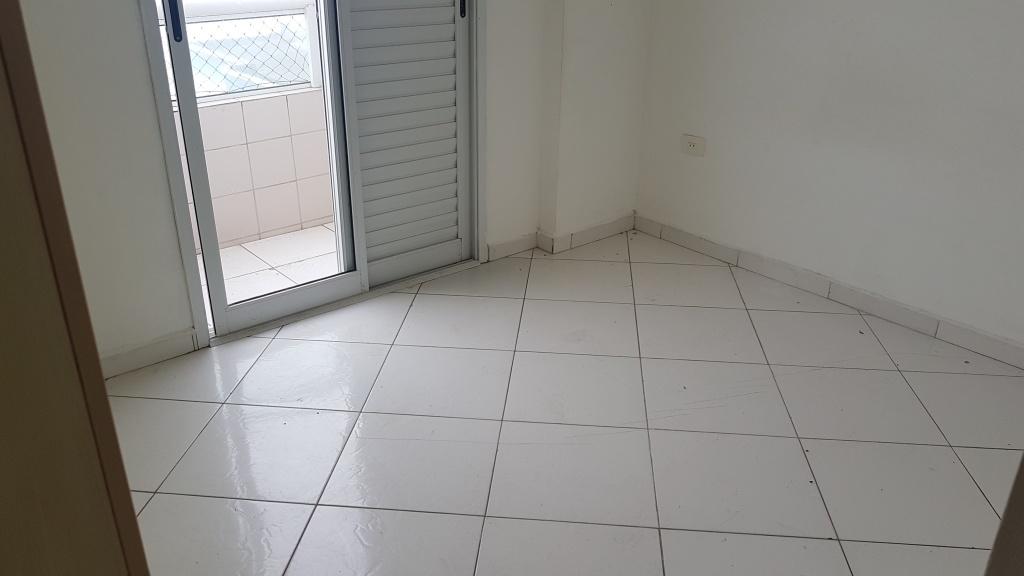 Suíte do cobertura com 2 dormitórios em MIRIM - PRAIA GRANDE