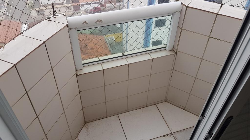 Sacada da suíte do cobertura com 2 dormitórios em MIRIM - PRAIA GRANDE