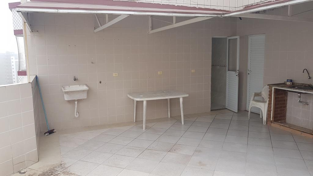 Churrasqueira e pia ang 02 do cobertura com 2 dormitórios em MIRIM - PRAIA GRANDE
