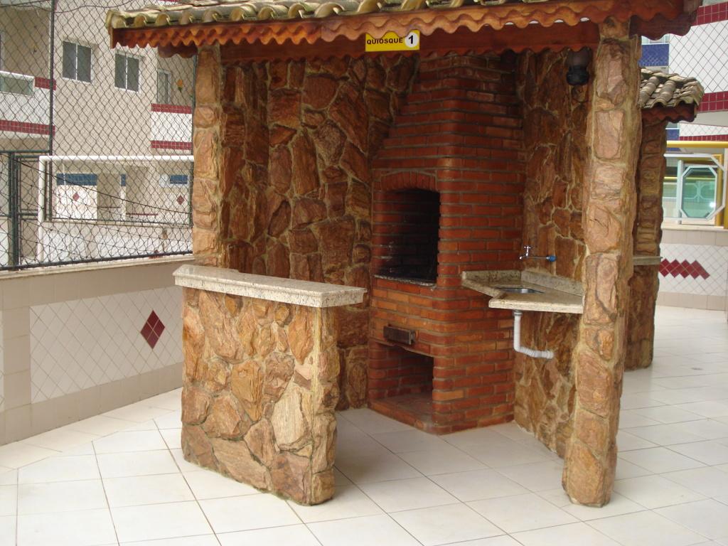 Quiosque com churrasqueira do cobertura com 2 dormitórios em MIRIM - PRAIA GRANDE