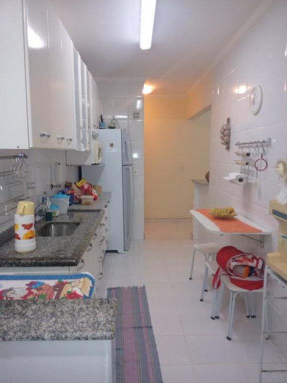 Cozinha ang. 2 do apartamento com 2 dormitórios em CANTO DO FORTE - PRAIA GRANDE