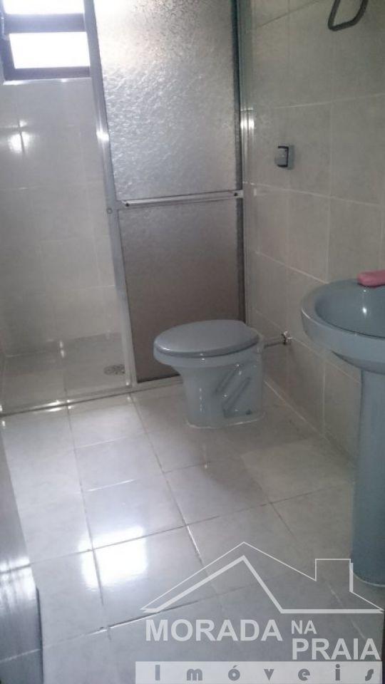 WC social do casa geminada com 2 dormitórios em Vila Tupi - Praia Grande