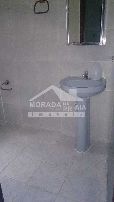 WC suíte do casa geminada com 2 dormitórios em Vila Tupi - Praia Grande