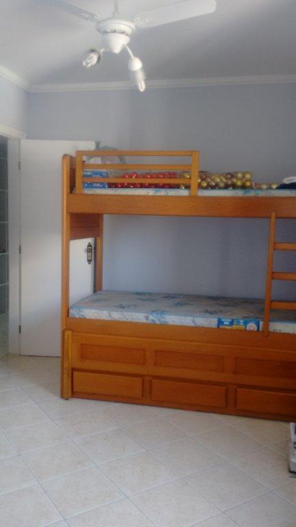 Dormitório ang 1 do apartamento com 2 dormitórios em TUPI - PRAIA GRANDE