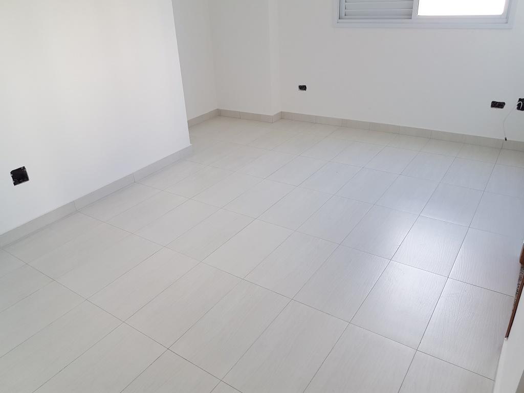 Suíte 03 do apartamento com 3 dormitórios em Canto do Forte - Praia Grande