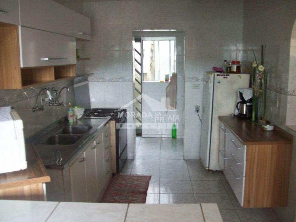 Cozinha do sobrado isolado com 4 dormitórios em GUILHERMINA - PRAIA GRANDE