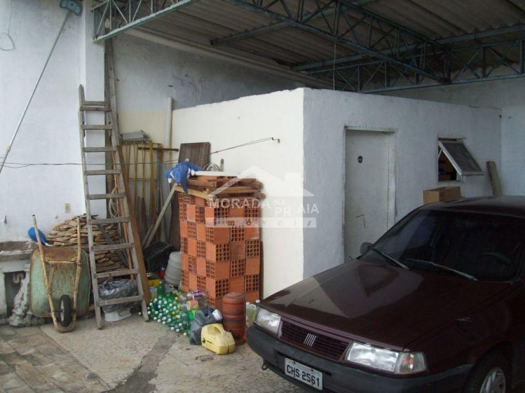 Garagem do sobrado isolado com 4 dormitórios em GUILHERMINA - PRAIA GRANDE