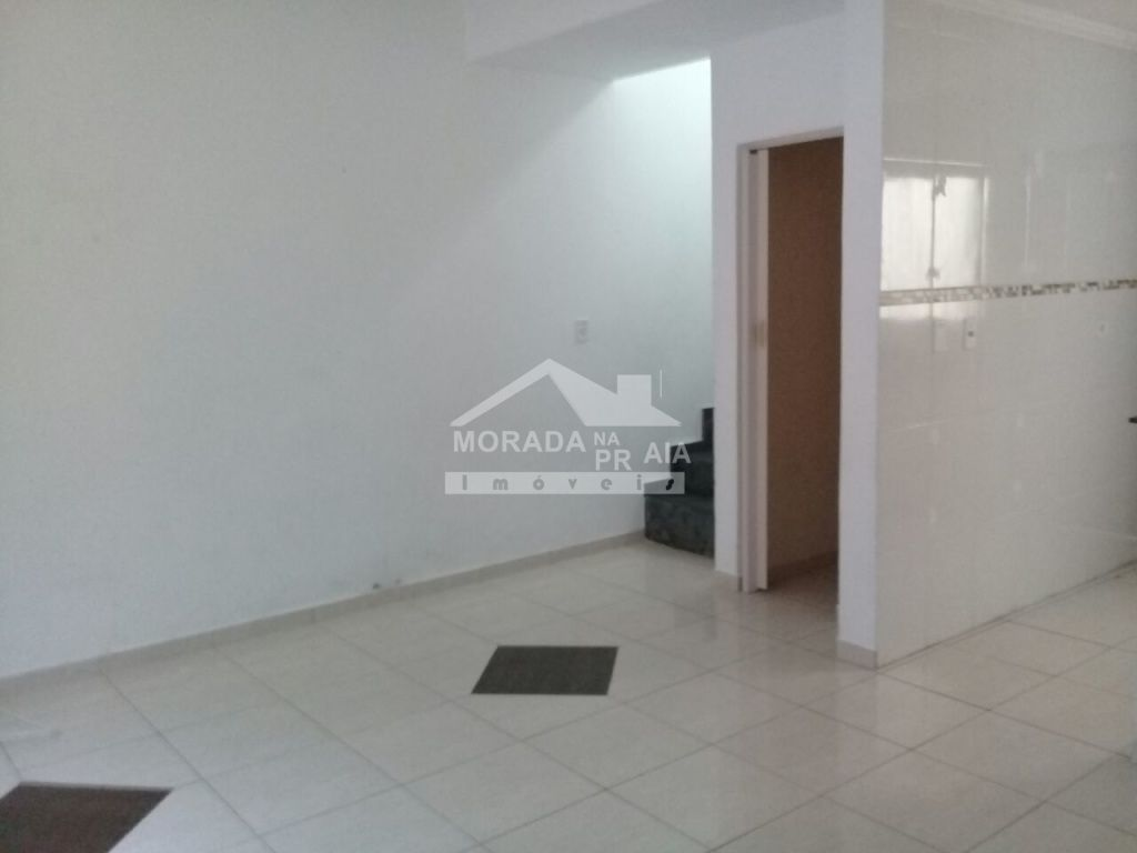 Sala do condomínio fechado com 2 dormitórios em Vila Mirim - Praia Grande