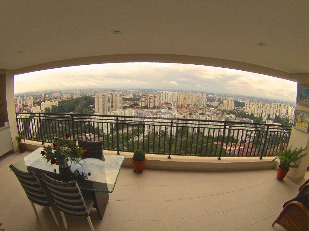 Cobertura de 4 dormitórios em Interlagos, São Paulo - SP