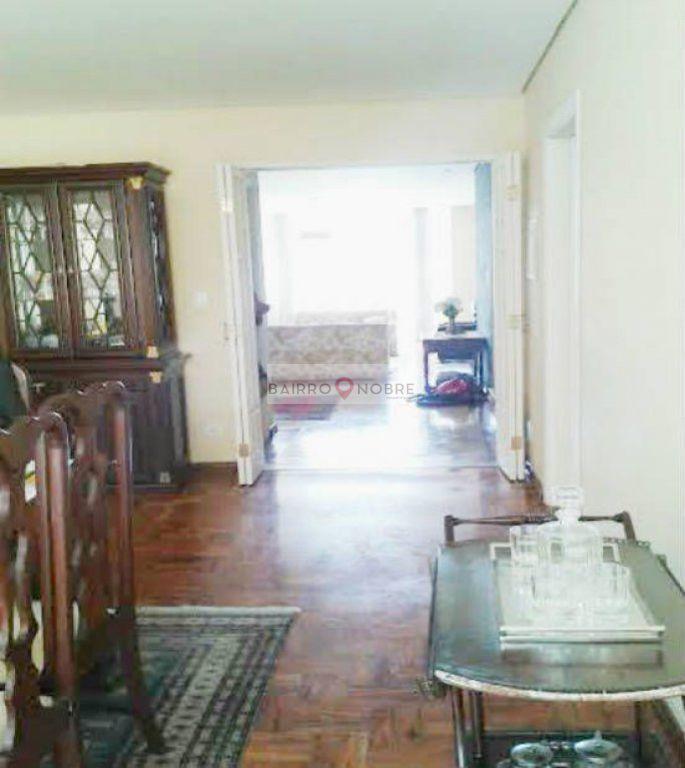 Casa de 5 dormitórios em Vila Nova Conceição, São Paulo - SP