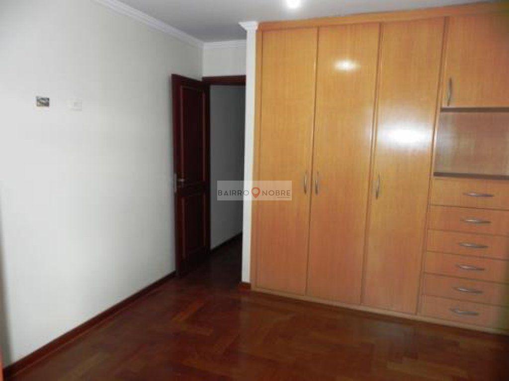 Casa de 3 dormitórios em Vila São Silvestre, São Paulo - SP
