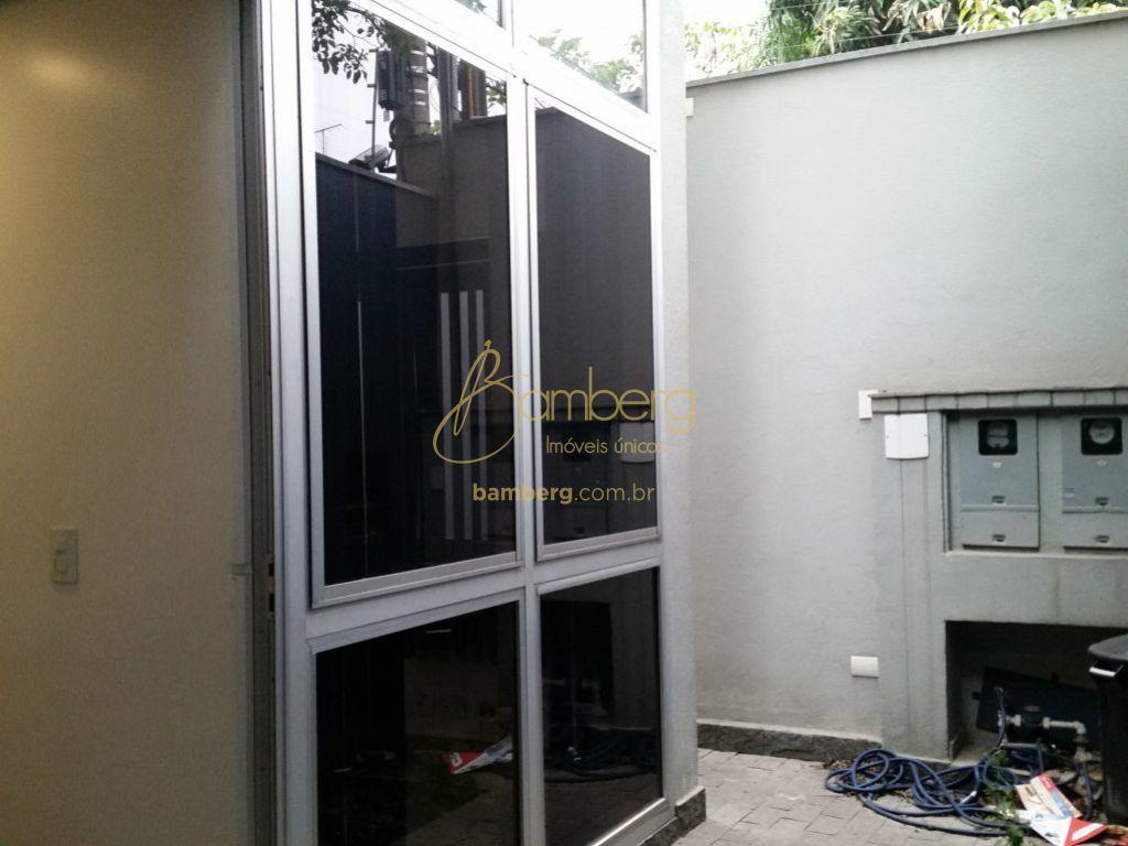 Casa Comercial em Vila São Francisco (Zona Sul), São Paulo - SP