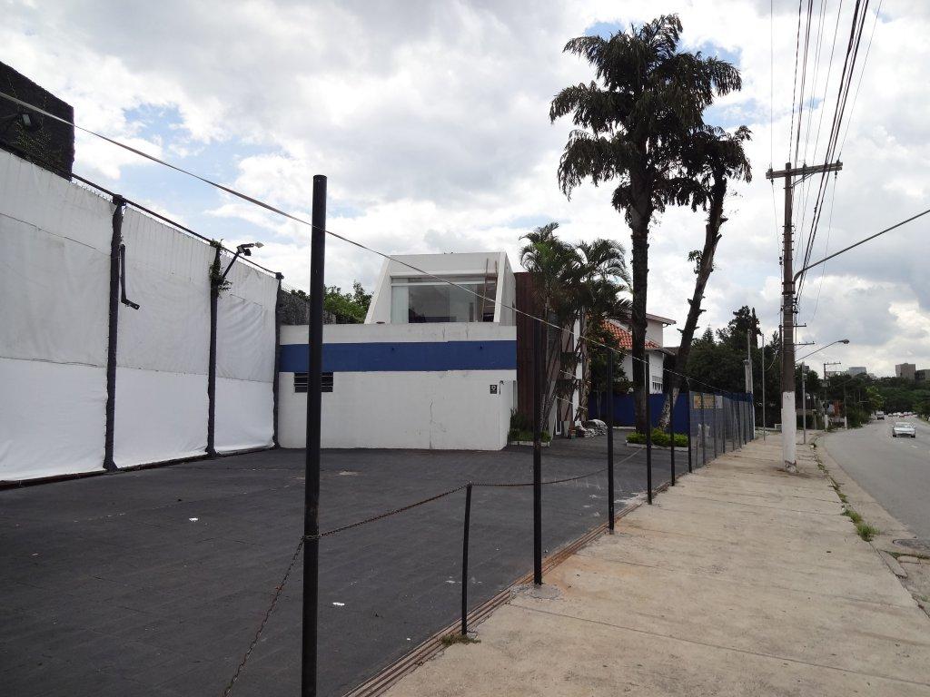 Prédio Inteiro em Alto Da Boa Vista, São Paulo - SP