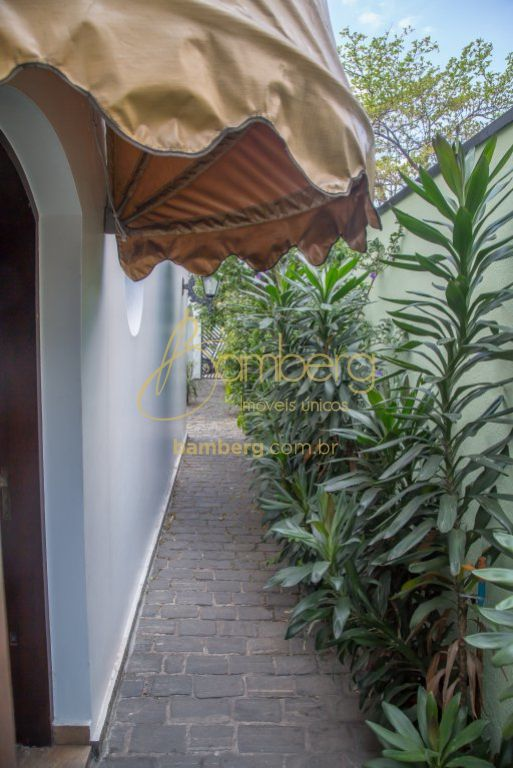 Casa de 3 dormitórios em Brooklin Velho, São Paulo - SP