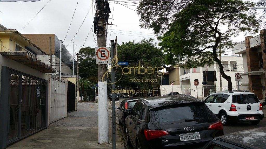 Casa de 2 dormitórios à venda em Moema, São Paulo - SP