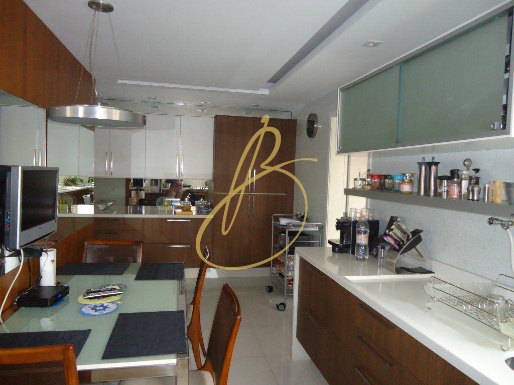Cobertura de 3 dormitórios à venda em Chácara Santo Antônio, São Paulo - SP