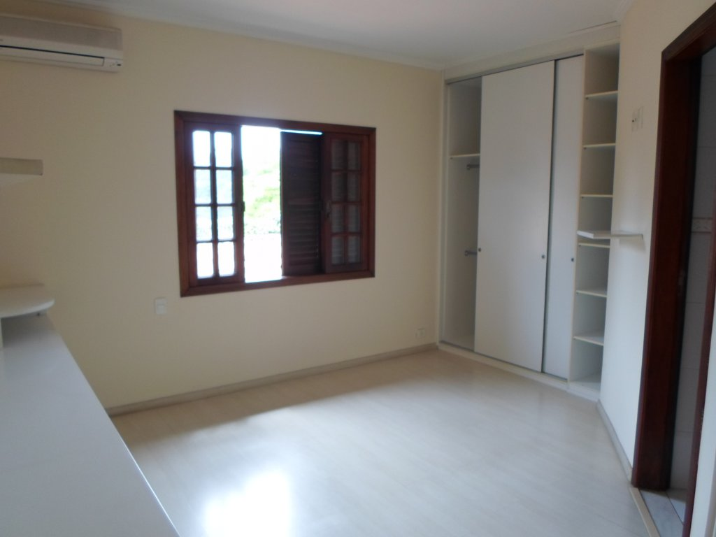 Casa de 4 dormitórios em Alto Da Boa Vista, São Paulo - SP