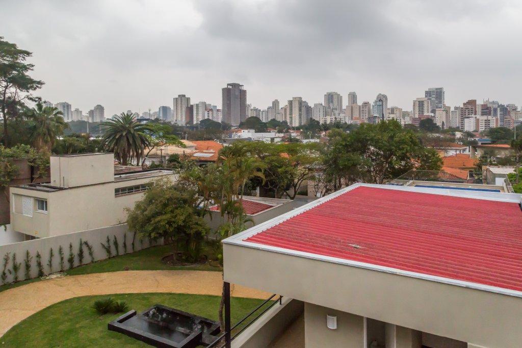 Casa de 5 dormitórios em Moema, São Paulo - SP